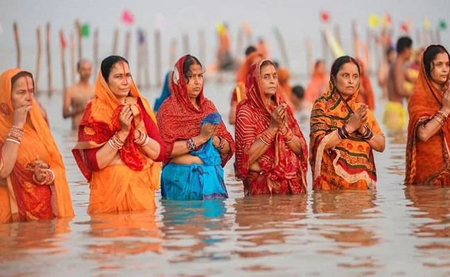 Chhath: आज है छठ महापर्व का तीसरा दिन, जानें क्यों देते हैं डूबते सूर्य को अर्घ्य