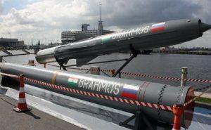 DRDO ने किया ब्रह्मोस सुपरसोनिक क्रूज मिसाइल के लैंड अटैक वर्जन का सफल परीक्षण, ये हैं खूबियां