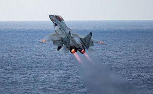 Indian Navy का मिग-29K विमान हुआ दुर्घटनाग्रस्त; एक पायलट सुरक्षित, दूसरे की तलाश जारी