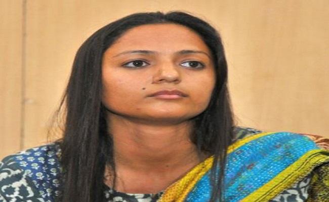 JNU की पूर्व छात्र नेता शेहला रशीद पर पिता ने लगाए गंभीर आरोप, पुलिस को पत्र लिखकर कही ये बात