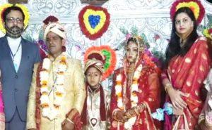 शहीद जवान की बेटी ने शादी में कन्यादान के लिए डीएम को लिखा पत्र, अधिकारी ने पेश की मिसाल, पत्नी के साथ पहुंचे