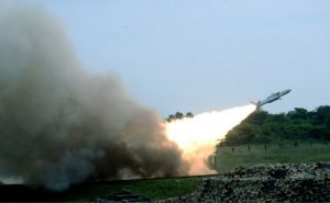 Indian Air Force ने किया स्वदेशी एयर डिफेंस सिस्टम आकाश और रूसी मिसाइल इगला का परीक्षण, जानें इनकी खूबियां
