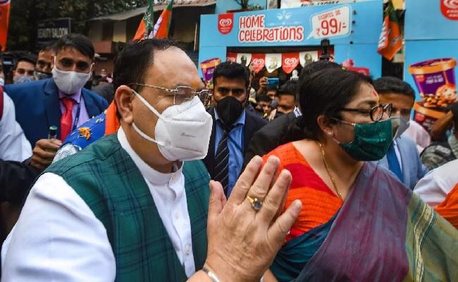 पश्चिम बंगाल: बीजेपी अध्यक्ष जेपी नड्डा के काफिले पर हमला, कैलाश विजयवर्गीय और मुकुल रॉय घायल