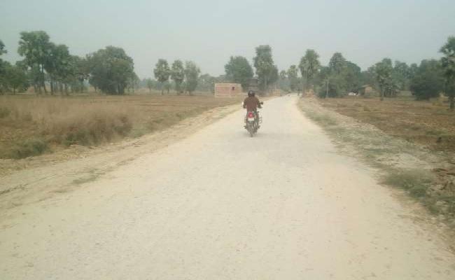 बिहार: गया में नक्सली संगठन के हौसले बुलंद, 14 करोड़ से बन रही सड़क का निर्माण रोका, मांगी लेवी
