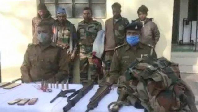 झारखंड: गुमला पुलिस के हाथ लगी बड़ी सफलता, नक्सली हमले की योजना से आये नक्सलियों में से 5 को धर दबोचा