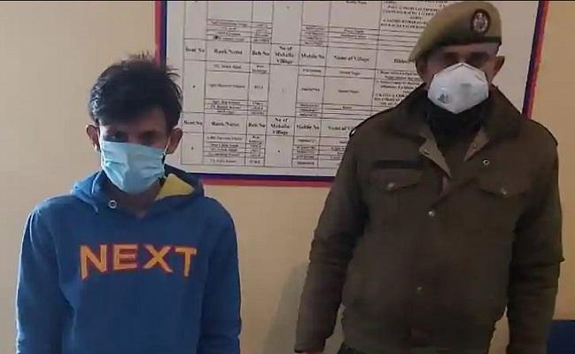 जम्मू कश्मीर: सुरक्षाबलों की मुस्तैदी से बड़ा आतंकी हमला टला, जम्मू से हथियार के साथ लश्कर का आतंकी गिरफ्तार