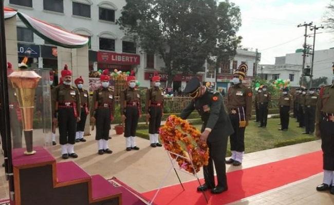 साल 1971 युद्ध के 50 साल पूरे होने पर निकाली गई विजय मशाल यात्रा, शहीदों के परिवारों से मिलेंगे सेना के अधिकारी