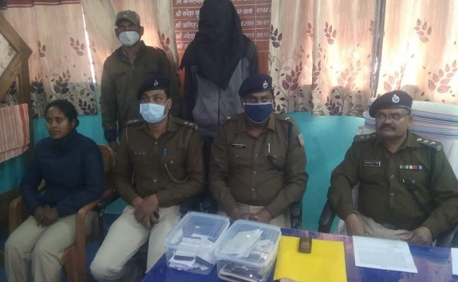 झारखंड: लातेहार पुलिस को बड़ी सफलता मिली, महिला उग्रवादी और उसका एक साथी गिरफ्तार