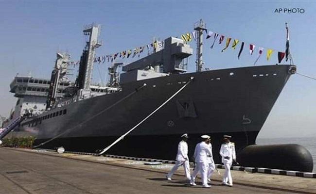 INS बेतवा पर तैनात नौसेना के जवान की संदिग्ध परिस्थितियों में मौत, शव के पास ही मिली सर्विस राइफल