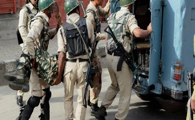 छत्तीसगढ़: नक्सलियों के बिझाये जाल से बाल-बाल बचे सुरक्षाबल , फिर भी विस्फोट में 2 CAF के जवान घायल