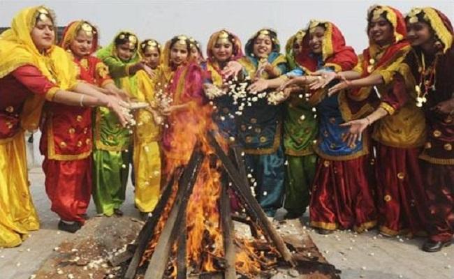 Lohri 2021: आज है लोहड़ी, जानें क्यों मनाते हैं ये त्योहार और क्या है इसका महत्व