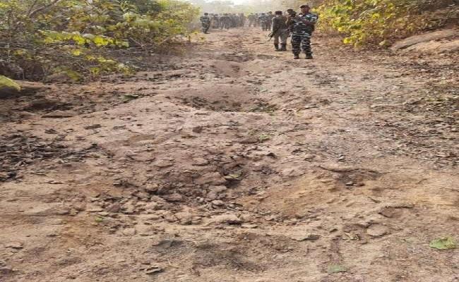 बिहार: नक्सलियों की बड़ी साजिश नाकाम, जवानों ने 34 बारूदी सुरंगों को नष्ट किया