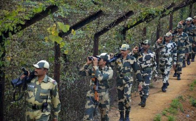 जम्मू कश्मीर: पाकिस्तान की ओर से फिर हुई घुसपैठ की कोशिश, BSF ने मार गिराया एक घुसपैठिया