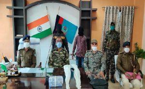 झारखंड: पुलिस ने PLFI के 2 नक्सलियों को दबोचा, सांगी दस्ते से जुड़कर दे रहे थे घटनाओं को अंजाम