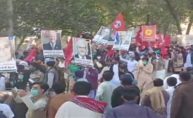 Pakistan: सिंध को अलग देश बनाने की मांग तेज, सैकड़ों की संख्या में लोगों ने निकाली रैली; देखें VIDEO