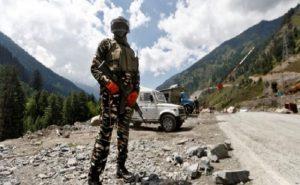 LAC पर पैगॉन्ग झील इलाके में -30 डिग्री तक गिरा पारा, चीनी सेना हटी पीछे; भारतीय जांबाज अब भी तैनात