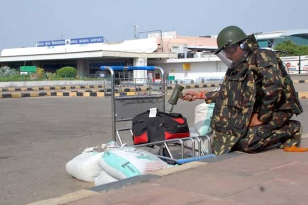 मौत को मात देने का खेल है बमों को डिफ्यूज करना, सेना के जवानों के लिए है बेहद चुनौतीपूर्ण