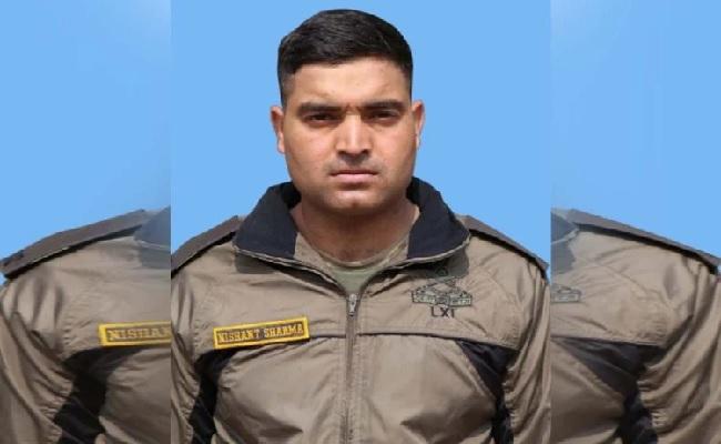 पाकिस्तान की ओर से हुई फायरिंग में जवान निशांत शर्मा शहीद, खबर सुनकर मां हुईं बेहोश