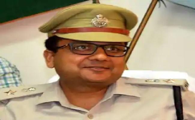 झारखंड: 25 लाख के इनामी नक्सली को पकड़ने वाले इस IPS अधिकारी को मिलेगा वीरता पदक, 38 पुलिसकर्मी होंगे सम्मानित