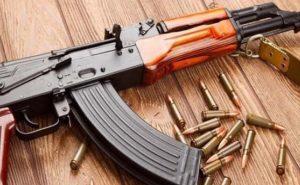 झारखंड: पुलिस एनकाउंटर में मारे गए नक्सली पुनई उरांव की AK-47 बरामद, कई लोग गिरफ्तार