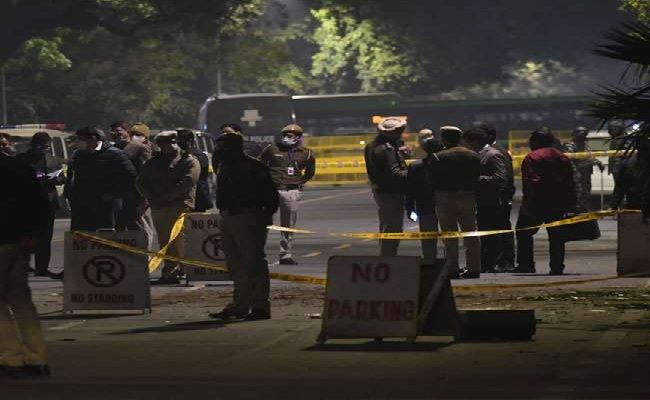 Delhi Blast: दिल्ली में इजरायली दूतावास के पास धमाका, बीटिंग रिट्रीट से डेढ़ किलोमीटर थी दूरी
