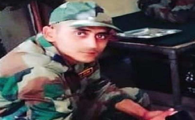 जम्मू कश्मीर: पुलवामा में सेना और आतंकियों के बीच मुठभेड़, 19 साल के जवान निखिल दायमा शहीद