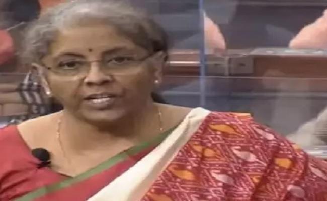 Rail Budget 2021: रेलवे के लिए वित्त मंत्री ने की 1.10 हजार करोड़ रुपए की घोषणा, जानें क्या ऐलान हुए