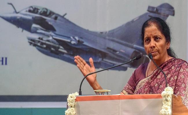 Budget 2021-22: इस साल रक्षा बजट को बढ़ाकर 4.78 लाख करोड़ रुपये किया गया, 15 सालों के इतिहास में उच्चतम