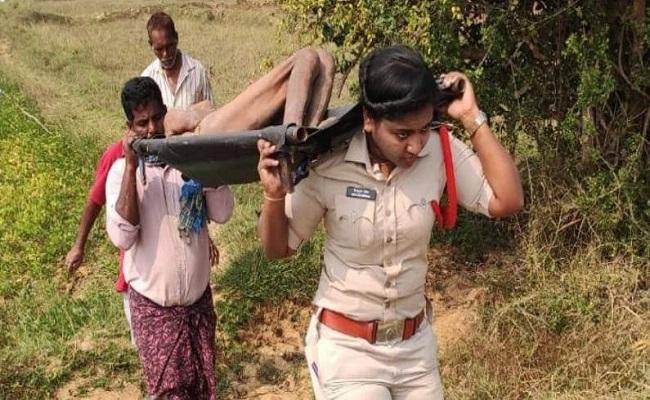 Women SI Kotturu Sirisha