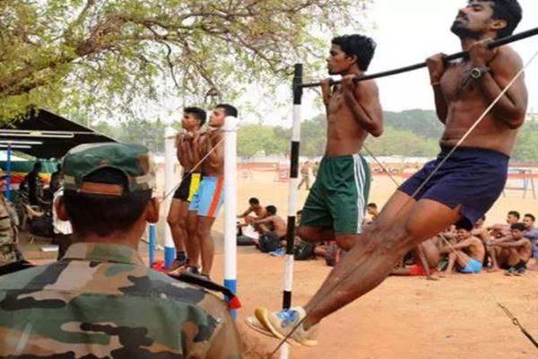यूं ही नहीं बन जाता हर कोई सैनिक, कड़ी मेहनत के दम पर हासिल होता है फौलादी शरीर