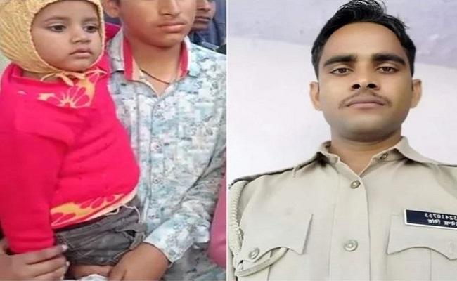 UP: कासगंज में शहीद सिपाही देवेंद्र के घर पसरा मातम, 3 साल की बेटी पूछ रही- पापा कब आएंगे?