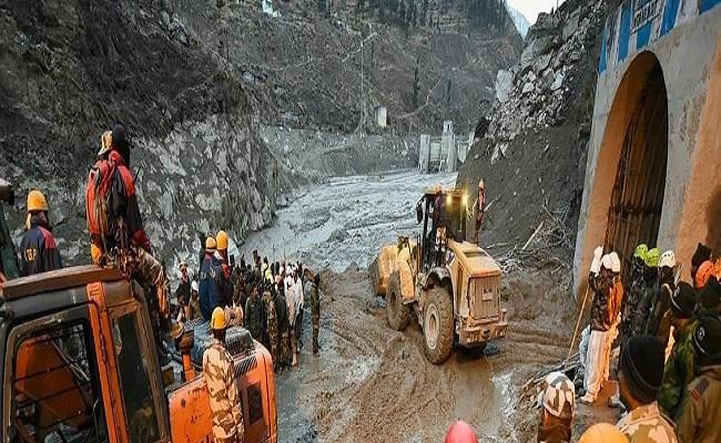 उत्तराखंड: चमोली में ग्लेशियर टूटने के बाद मची तबाही के नतीजे आ रहे सामने, अब तक 43 लोगों की मौत