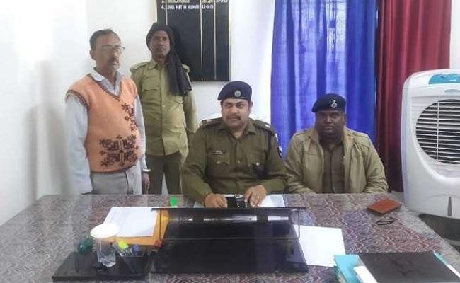 बिहार: कैमूर में कुख्यात नक्सली गुलाब मल्लाह गिरफ्तार,  बीते 20 सालों से था फरार