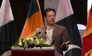पाक पीएम के सिर से संकट के बादल छटे, इमरान खान ने संसद में विश्वासमत हासिल किया