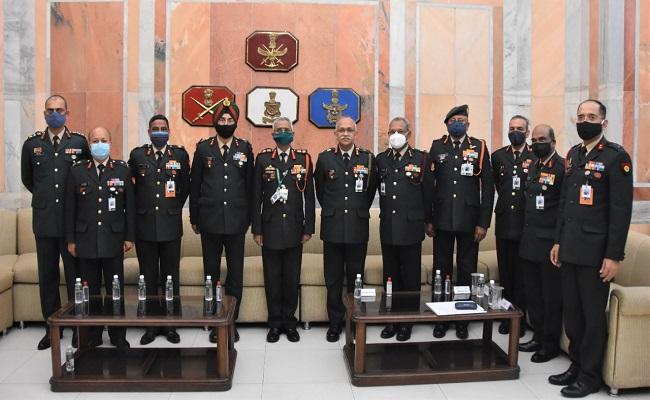 Indian Army से रिटायर हो रहे अधिकारियों के लिए आयोजित हुआ सेमिनार, देखें PHOTOS