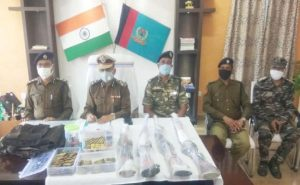 Jharkhand: 10 लाख के इनामी नक्सली जीवन कंडुलना ने खोलने शुरू किए राज, हथियारों का जखीरा बरामद