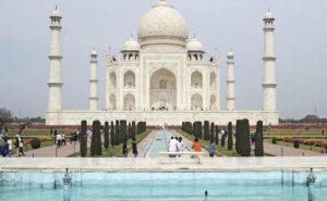 यूपी: ताजमहल में बम की सूचना से मचा हड़कंप, पर्यटकों को बाहर निकाला गया, सर्च ऑपरेशन जारी