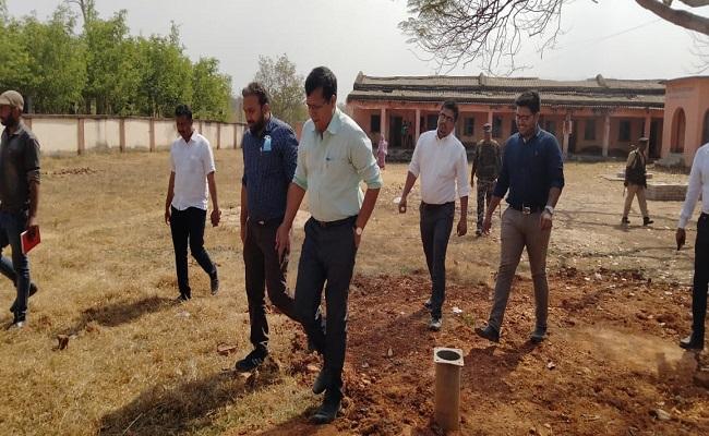Jharkhand: विकास की राह पर चल पड़ा है गिरिडीह का नक्सल प्रभावित पारसनाथ इलाका, प्रशासन की कोशिशें ला रहीं रंग