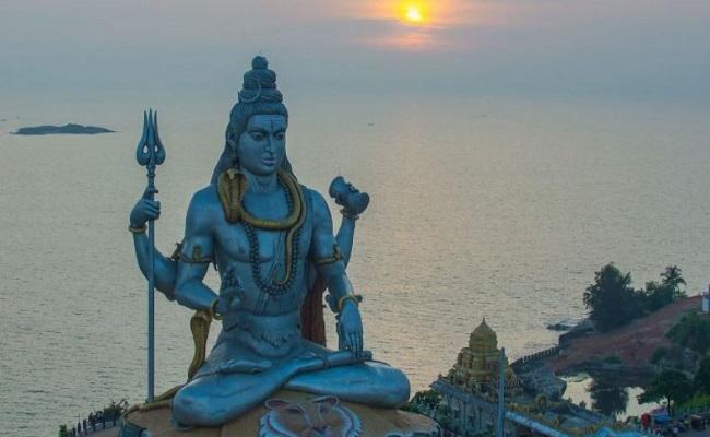 Mahashivratri 2021: आज है महाशिवरात्रि, जानें शिव की पूजा में किस चीज का है खास महत्व और कौन सी चीजें हैं वर्जित
