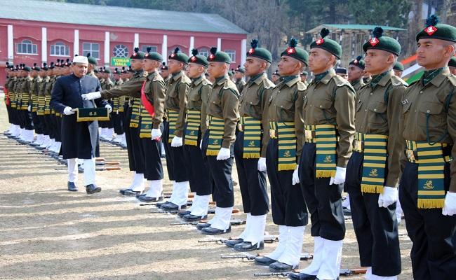 कुमाऊं रेजिमेंट सेंटर में हुई पासिंग आउट परेड, 298 युवा अधिकारी Indian Army में शामिल; देखें PHOTOS