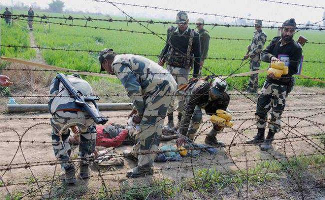 जम्मू कश्मीर: रामगढ़ सेक्टर में घुसपैठ की कोशिश कर रहा था एक पाकिस्तानी, BSF ने किया ढेर