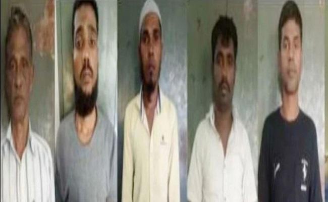 उत्तर प्रदेश: पांच बांग्लादेशी घुसपैठियों को 4-4 साल की जेल, पाकिस्तान भागने की कोशिश के दौरान हुये थे सभी गिरफ्तार