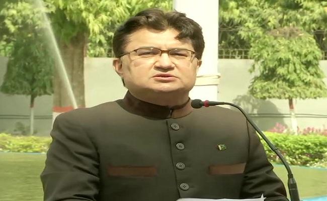 पाकिस्तान ने फिर अलापा कश्मीर का राग, कहा- 70 सालों से चल रहे विवाद को बातचीत के जरिए निपटाएं
