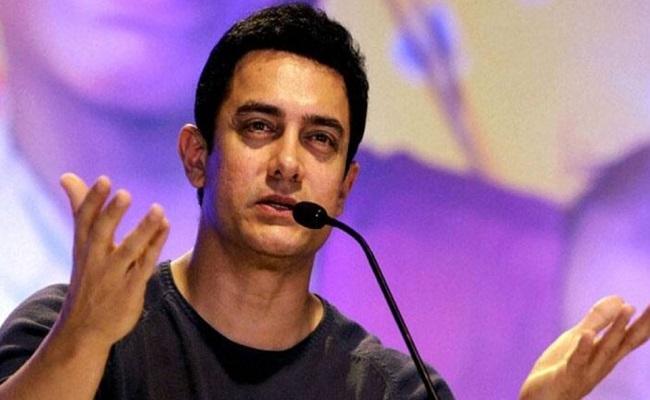 कोरोना वायरस की चपेट में आए बॉलीवुड के मिस्टर परफेक्शनिस्ट आमिर खान, खुद को किया क्वॉरंटीन