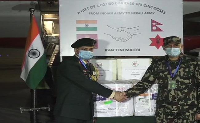 Indian Army ने नेपाल की सेना को गिफ्ट की भारत में बनी कोरोना वैक्सीन की एक लाख डोज, देखें PHOTOS