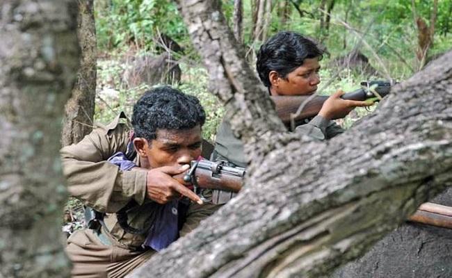 छत्तीसगढ़: सुकमा जिले में सुरक्षाबलों को मिली बड़ी कामयाबी, तेलंगाना बॉर्डर के पास से दो टॉप माओवादियों को धर-दबोचा