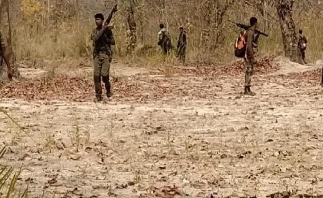 Bijapur Sukma Encounter: जंगलों से निकले नक्सली और कर दी ताबड़तोड़ फायरिंग, गांव वालों ने सुनाई उस दिन की आंखों-देखी