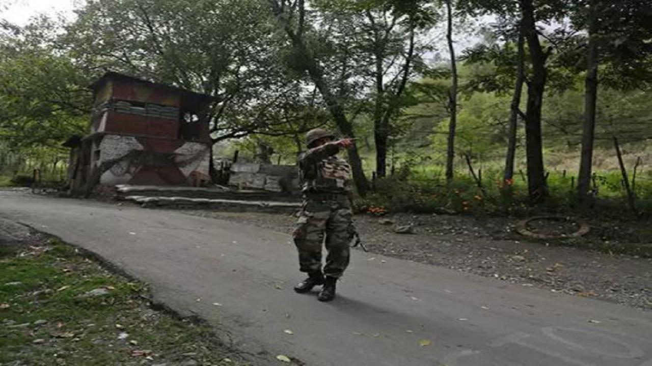 Chhattisgarh: मिनपा में सड़क निर्माण की सुरक्षा में लगे जवानों ने बरामद की 10 किलो की आईईडी, मौके पर किया डिफ्यूज