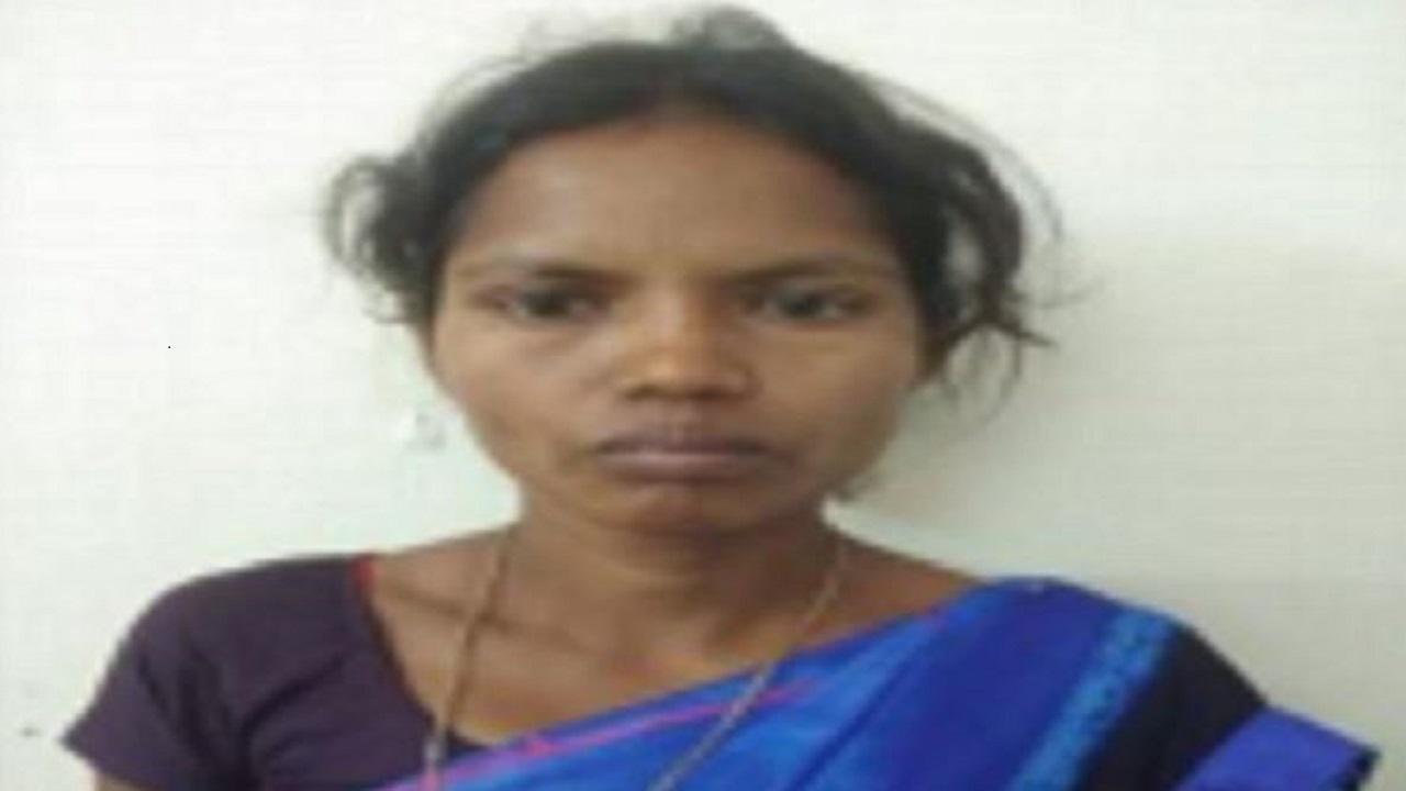 Chhattisgarh: दंतेवाड़ा से इनामी महिला नक्सली गिरफ्तार, पुलिस पर हमला और हत्या जैसी संगीन वारदातों में रही है शामिल