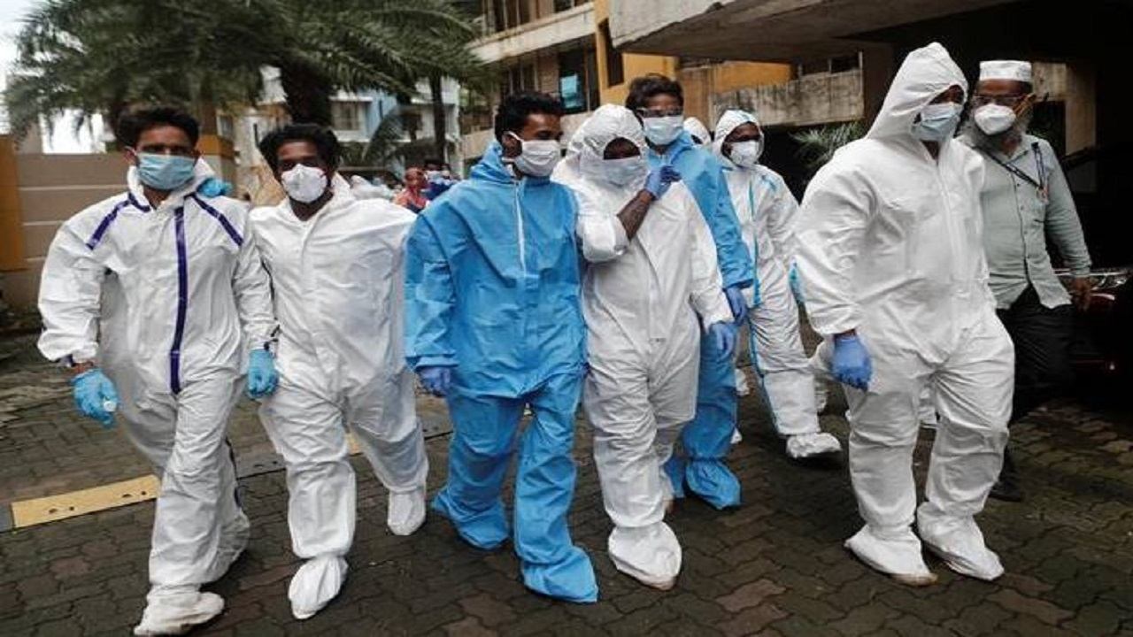 Coronavirus: भारत में कोरोना विस्फोट, पहली बार 24 घंटे में आए 2 लाख से ज्यादा केस